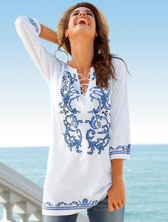 Blusa bordada en azul Love Fashion, Girl Fashion, Fashion Trends, Indie Outfits, Cool Outfits, Mexican Outfit, Estilo Hippie, Moda Chic, Embroidered Clothes