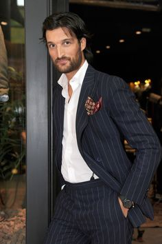 Rafael Medina - entre los hombres más elegantes del mundo