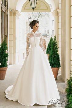 A(z) 455 legjobb kép a(z) ♥ Menyasszonyi ruhák ♥ Wedding Dresses ... 469a821d32