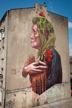 Grandma with chicken / Etam Cru #streetart