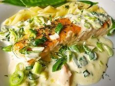Lachs in Frühlingszwiebel-Sahne-Sauce This salt baked fish recipe is fish crusted in salt and slid in the oven and baked until moist and tender and perfect. Lachs in Frü. Baked Salmon Recipes, Pork Chop Recipes, Meatloaf Recipes, Shrimp Recipes, Meat Recipes, Fall Recipes, Asian Recipes, Ethnic Recipes, Shellfish Recipes