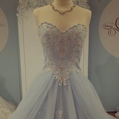 abito da sposa Cenerentola- Cinderella Diamond Wedding Gown Collection Alfred Angelo - Photo bridesmag