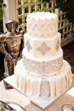 Renaissance Medieval Wedding Inspired Cake ~ Misty Miotto Photography, Anna Cakes | bellethemagazine.com