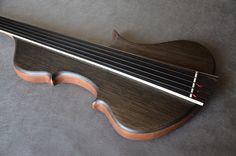 Symphony Bass by Marek Dabek |