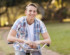 sport senior portrait ideas for girls