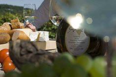 Im Sommer lässt es sich in den Weinbergen gut schmausen - http://www.schweinfurt360.de/  #Weinberge #Wein #Genuss