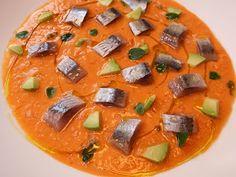 Cocinando con Lola García: Ensalada de tomate emulsionada con sardina ahumada Bao, Thai Red Curry, Fruit, Ethnic Recipes, Tomato Salad, Smoker Cooking, Salads, Cooking Recipes, Diet