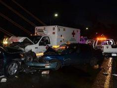 Informando24Horas.com: Cinco vehículos chocan en el puente Juan Bosch