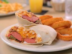 Get Chili Dog Burrito Recipe from Food Network Other Recipes, Great Recipes, Beef Hot Dogs, Chili Dogs, Canned Tomato Sauce, No Bean Chili, Soup And Sandwich, Cosplay, Burritos