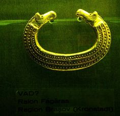 Dacian bracelets - Gold bracelet with horse heads from Vad-Fagaras Brasov County;