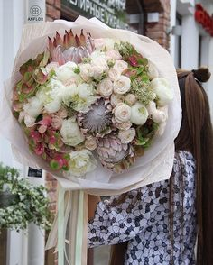 Merci  anflor.by  Osez offir de la créativité: www.coleebree.com  #stylistfloral #floral #flower #livraison #fleuriste #fleurs #bouquet #deco #flowerstagram #coleebree  #marketplace #flowerpower #génial @coleebree