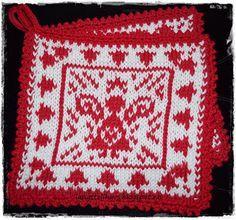 Grytlappar med änglar Crochet Beanie Pattern, Mittens Pattern, Knit Crochet, Knitting Charts, Knitting Patterns, Crochet Patterns, Crochet Buttons, Crochet Potholders, Stocking Pattern