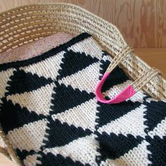 Knitted Triangle Pattern Baby Blanket for Bassinet by YarningMade