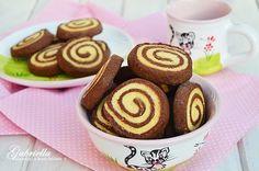 Gabriella kalandjai a konyhában :): Linzer csiga - nem csak a gyerekek kedvence :)