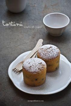 Tortini semplici allo yogurt magro (o torta dei vasetti)