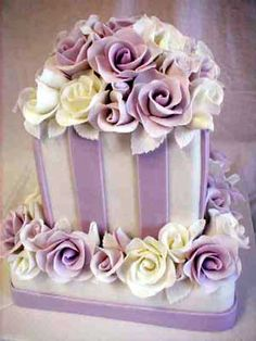 http://static.weddingandcakes.com/wcakes/2010/03/purple-wedding-cakes-3.jpg