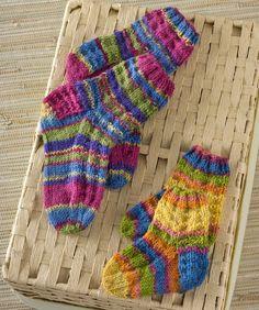 Nice video instruction for Colorful Knit Kids Socks Knitting Pattern