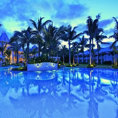 Sugar Beach Hotel, Mauritius is a five star hotel offering an exclusive experience with a unique combination of enhanced plantation style architecture and a more contemporary feel.