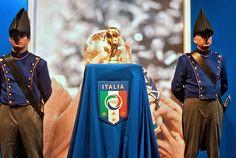 Italia- PARMA: LA COPPA DEL MONDO IN PIAZZA .  La Coppa del Mondo conquistata dalla nostra Nazionale nel 2006 è stata esposta per tutti i cittadini nei due giorni che hanno preceduto l'incontro.partita Italia-Cipro che si è tenuta a Parma mercoledì 14 http://advertiseyourbizonline Social Media Marketing Manager - Graphics and more.