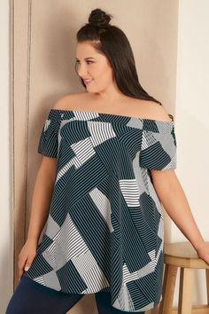 une jolie tunique pour femme ronde qui masque les bras ronds et souligne la taille ronde. Black Bedroom Furniture Sets. Home Design Ideas