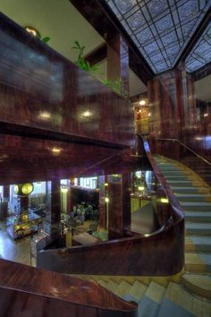 LOOSHAUS Robert Mallet Stevens, Walter Gropius, Eero Saarinen, Alvar Aalto, Frank Lloyd Wright, Modernism, Bauhaus, Vienna, Shopping