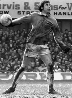 """""""We'll see a lot of THAT save from Gordon Banks today but there was so much more to him than that. He was funny, humble and a true gentleman. He will be greatly missed"""" Gordon Banks, Jack Charlton, Bobby Charlton, Chesterfield Fc, Ray Clemence, Dan Walker, Pat Jennings, David Seaman"""