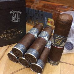 Good Cigars, Cigars And Whiskey, Gouts Et Couleurs, Cigar Art, Premium Cigars, Cigar Humidor, Cigar Accessories, Cigar Room, Cigar Smoking