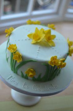 Spring daffodil cake Pig Birthday Cakes, Special Birthday Cakes, Cake Decorating Techniques, Cake Decorating Tips, Pretty Cakes, Beautiful Cakes, Daffodil Cake, Daffodil Wedding, Fondant Cakes