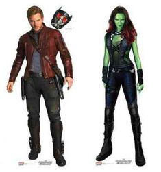 Star-Lord und Gamora, mehr als Freunde in Guardians of the Galaxy - Halloween Costumes Cute Couple Halloween Costumes, Hallowen Costume, Halloween Kostüm, Halloween Cosplay, Halloween Outfits, Costume Ideas, Superhero Halloween Costumes, Clever Costumes, 90s Costume