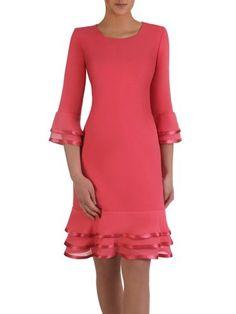 Koralowa sukienka z szyfonowymi falbanami 15040, modna kreacja na wiosnę. | Sklep online ModBiS.pl Classy Outfits, Beautiful Outfits, Modest Dresses, Casual Dresses, African Fashion Dresses, Fashion Outfits, Mother Of The Bride Fashion, Bcbg, Mom Dress