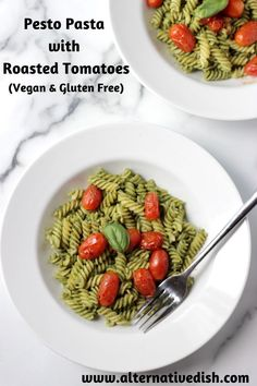 This easy flavorful pasta is vegan, gluten free, oil free and the perfect weeknight meal.  This meal comes together in less than 30 minutes and will become a quick dinnertime favorite #vegan #glutenfree #oilfree #pesto #pasta Easy Vegan Lunch, Healthy Vegan Snacks, Vegan Lunches, Vegan Recipes, Roasted Tomato Pasta, Roasted Tomatoes, Pesto Pasta Recipes, Vegan Pasta, Vegan Comfort Food