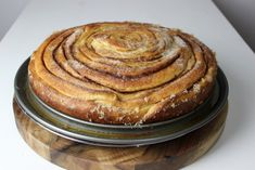 Riesen-Zimtschnecke mit 30 cm Durchmesser Cinnamon Roll - XXL