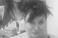 Shannen Doherty : contre le cancer, elle se rase la tête et poste des photos