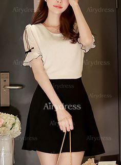 Llanura Casuales Poliéster Cuello redondo Sin mangas Camisas (1050674) @ Sleeves Designs For Dresses, Dress Neck Designs, Blouse Designs, Cute Asian Fashion, Korean Girl Fashion, Classy Outfits, Beautiful Outfits, Frocks For Girls, Dress Clothes For Women