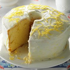 Washington-Lemon Chiffon Cake Recipe -This moist, airy cake was my dad's favorite. Mom revamped the original recipe to include lemons. I'm not much of a baker, but whenever I make this dessert my family is thrilled! Lemon Desserts, Lemon Recipes, Just Desserts, Cake Recipes, Dessert Recipes, Most Popular Desserts, Lemon Chiffon Cake, Chiffon Recipe, Cupcake Cakes