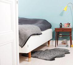 Pretty Pegs - legs for IKEA furniture Sofa Cama Ikea, Chaise Ikea, Ikea Couch, Home Bedroom, Bedroom Decor, Living Room Decor, Pretty Pegs, Brimnes, Bed Legs