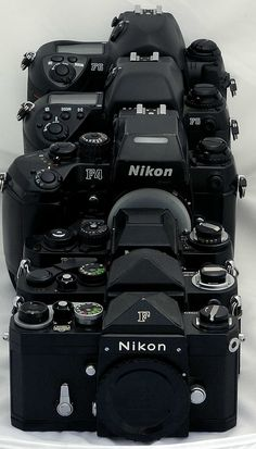 16 Fantastic Nikon Camera Kits With Camera And Lenses Nikon Camera Video Stabilizer kameras, Nikon Slr Camera, Nikon Digital Camera, Camera Hacks, Digital Slr, Nikon Cameras, Camera Gear, Nikon F6, Camera Tips, Vintage Cameras