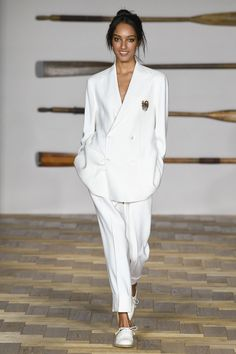 Daks Spring 2018 Ready-to-Wear  Fashion Show Collection