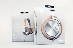 Hello Monday created this package design for B&O Play headphones, which target an audience that cares about music and technology, but are also in-tune with fashion and utilize their headphones as an accessory. The packaging reflects a high-end look for the headphone category with sleek photography, that is bold and minimal.