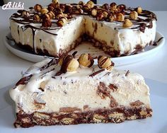 Mamina jela: Sladoled torta Puno mlijeka, al se ne kuha! Greek Sweets, Greek Desserts, Frozen Desserts, No Bake Desserts, Easy Desserts, Sweet Recipes, Cake Recipes, Dessert Recipes, Dessert Cookbooks