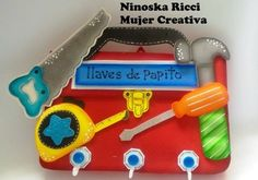 Moldes Gratis Porta llaves para papá Porta llaves para papá realizado en goma eva, con forma de maletita de herramientas. Un regalo original y muybonito pa