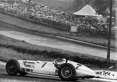 Hermann Lang is coming up from Melbourne. Donington Grand Prix,   1937  What a beast!!