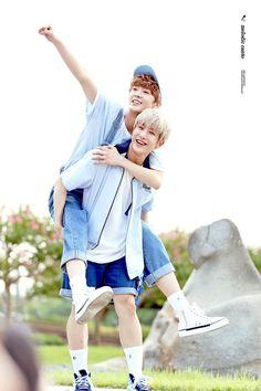 [12.08.16] KBS Music Bank Fanmeeting - SanHa e JinJin