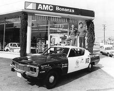 Adam 12 at an AMC Car dealership Sirens, Radios, Police Tv Shows, 4x4, Old Police Cars, Adam 12, Emergency Vehicles, Police Vehicles, Los Angeles Police Department