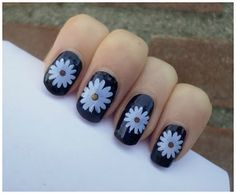 I think you guys would love this amazing nails! Very beautiful!