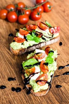 Caprese Avocado Brot (getoastet) - Kaschula