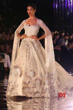 bd9eae7546 India Couture Week 2017. Isabel Castellanos · vestidos de novia y  acompañantes