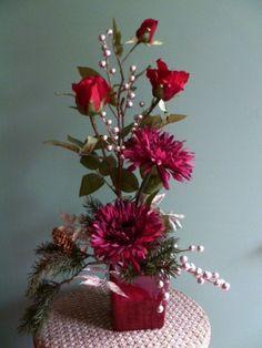 Silk Holiday Flower Arrangement ,Vintage Haeger Ceramic,shades of Cranberry
