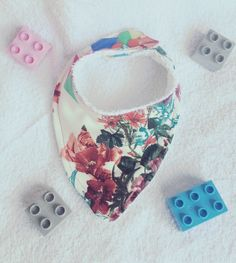 Pink Triangle, Dribble Bibs, Bandana Bib, Baby Bibs, Bamboo, My Etsy Shop, Triangles, Trending Outfits, Floral