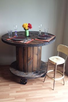 Reclaimed Wood Cable Spool Pub Dining Table / Bar Height Kitchen Table on Casters Made From Repurposed Industrial Wire Reel Wooden Spool Tables, Cable Spool Tables, Wooden Cable Spools, Cable Reel Table, Patio Bar Set, Patio Table, Diy Table, Dining Table, Dining Chairs